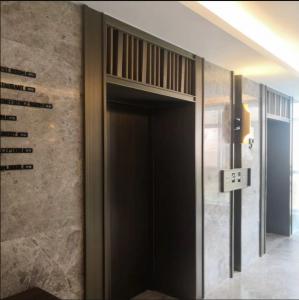 不锈钢电梯门套装饰
